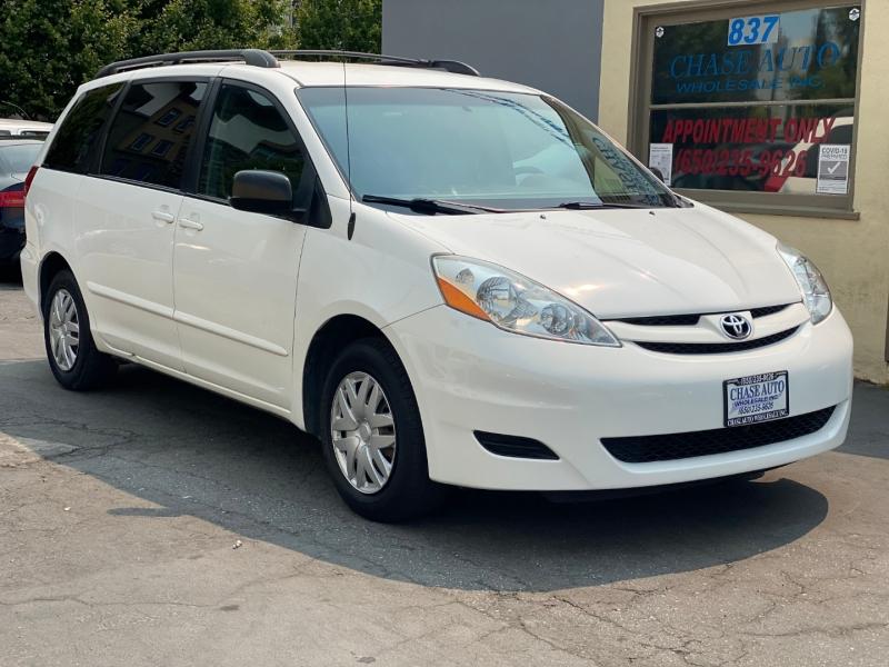 Toyota Sienna 2009 price $8,975