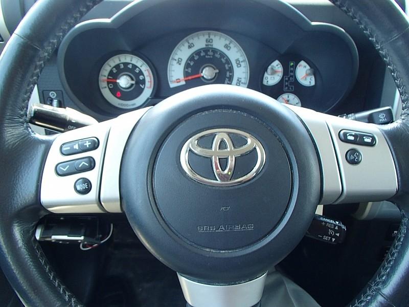 Toyota FJ Cruiser 2014 price $29,942