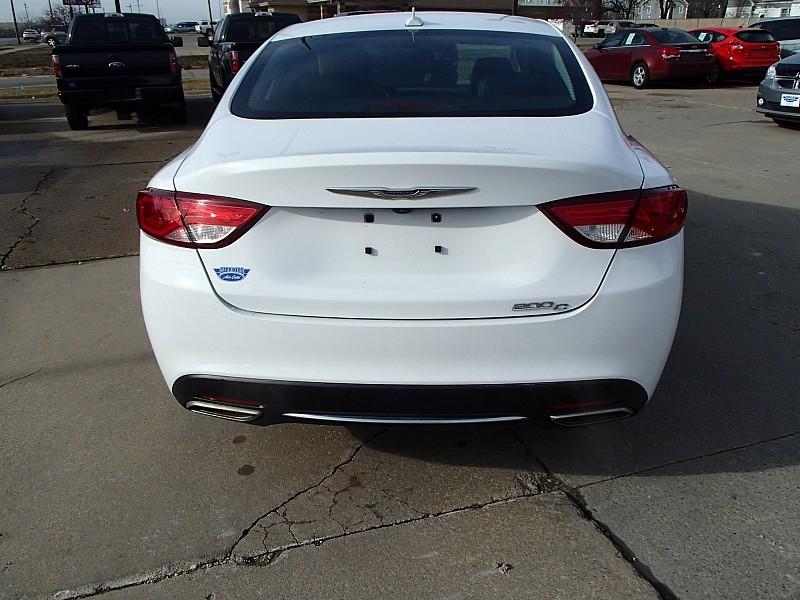 Chrysler 200 2015 price $14,900