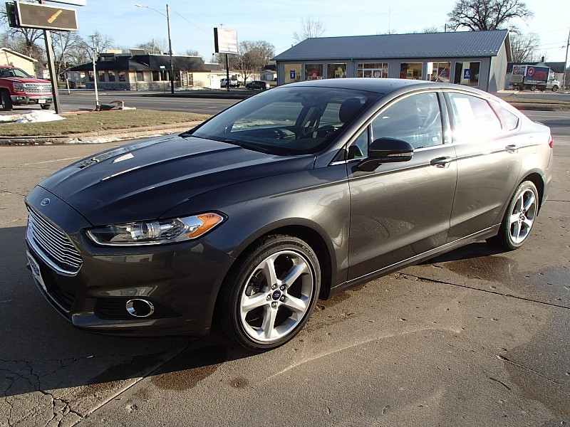 Ford Fusion 2016 price $18,900