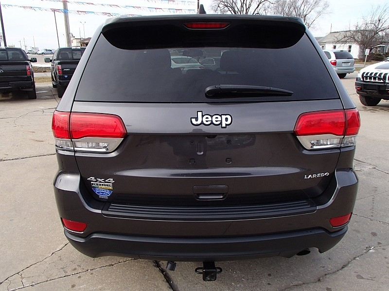 Jeep Grand Cherokee 2015 price $18,599