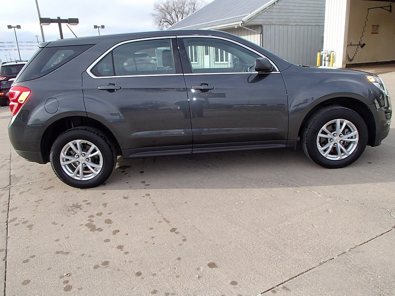 Chevrolet Equinox 2017 price $14,900