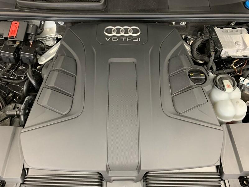 Audi Q7 2018 price $39,977