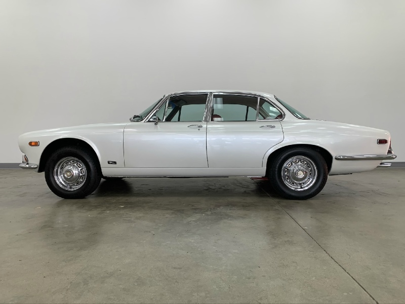 Jaguar XJ 1971 price $13,977