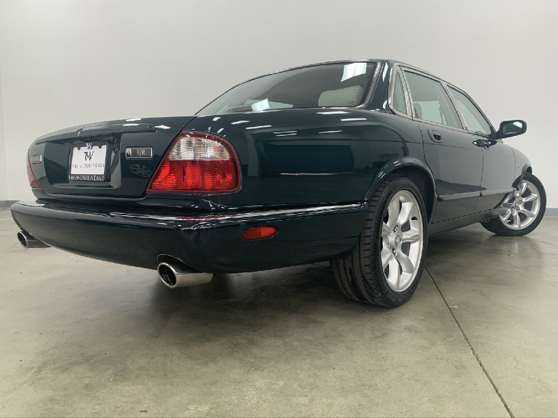 Jaguar XJ 2000 price $15,977
