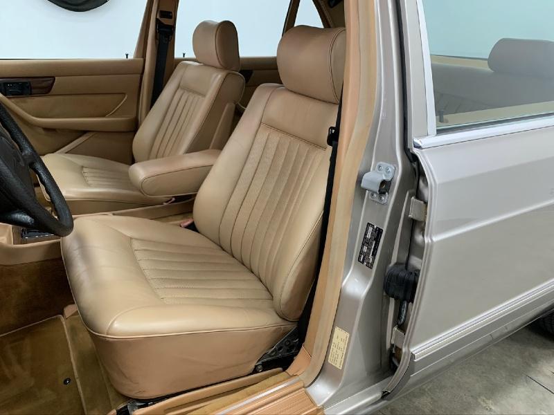 Mercedes-Benz 420 Series 1987 price $11,977