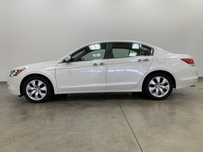 Honda Accord 2010 price $8,977