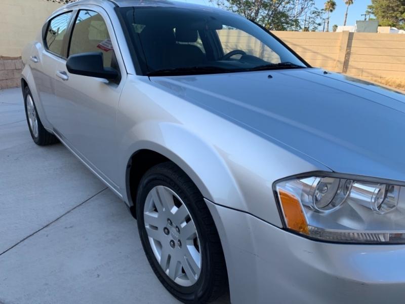 Dodge Avenger 2011 price $4,999