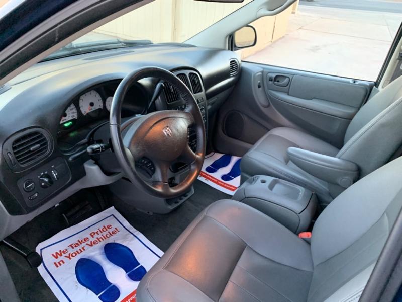 Dodge Caravan 2005 price $3,999