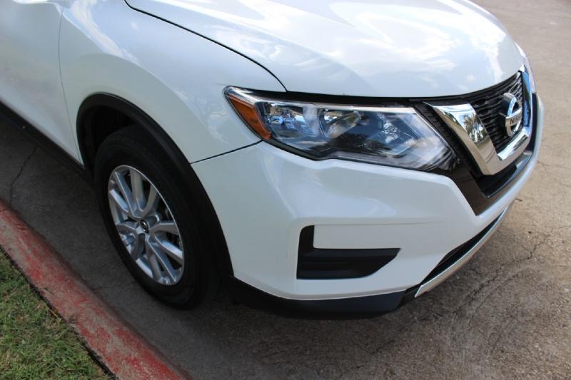 Nissan Rogue 2017 price $15,950