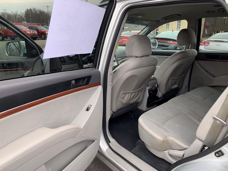 Hyundai Veracruz 2011 price $8,000
