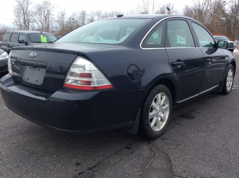 Ford Taurus 2009 price $4,999