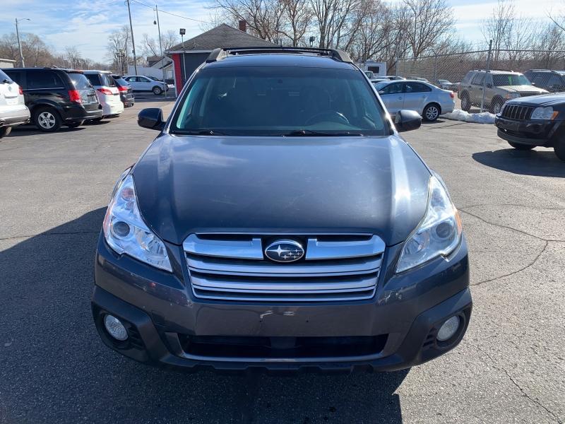 Subaru Outback 2013 price $8,000