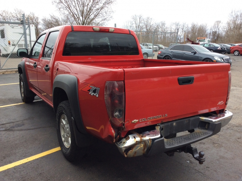 Chevrolet Colorado 2005 price $2,500