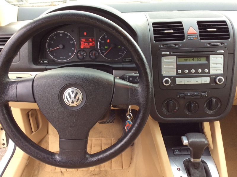 Volkswagen Jetta Sedan 2008 price $3,599