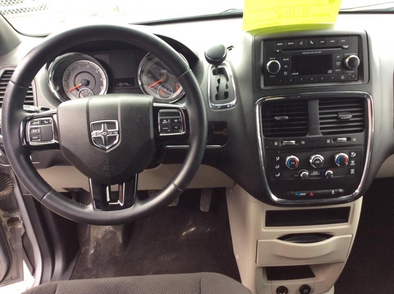 Dodge Grand Caravan 2014 price $8,999