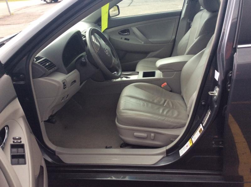 Toyota Camry Hybrid 2009 price $6,499