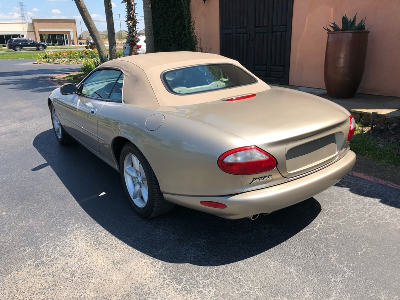 Jaguar XK8 1997 price $6,999