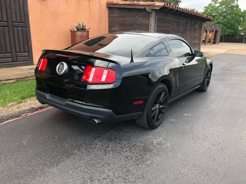 Ford Mustang 2010 price $9,991