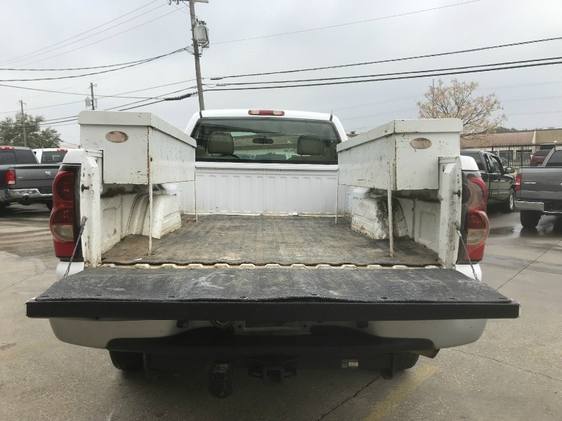 Chevrolet Silverado 2500HD 2005 price $5,500