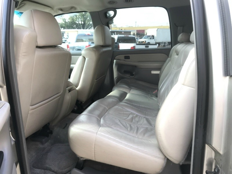 Chevrolet Suburban 2000 price $4,700 Cash