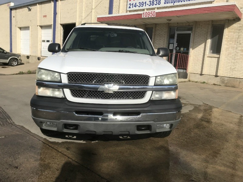 Chevrolet Avalanche 2004 price $5,990
