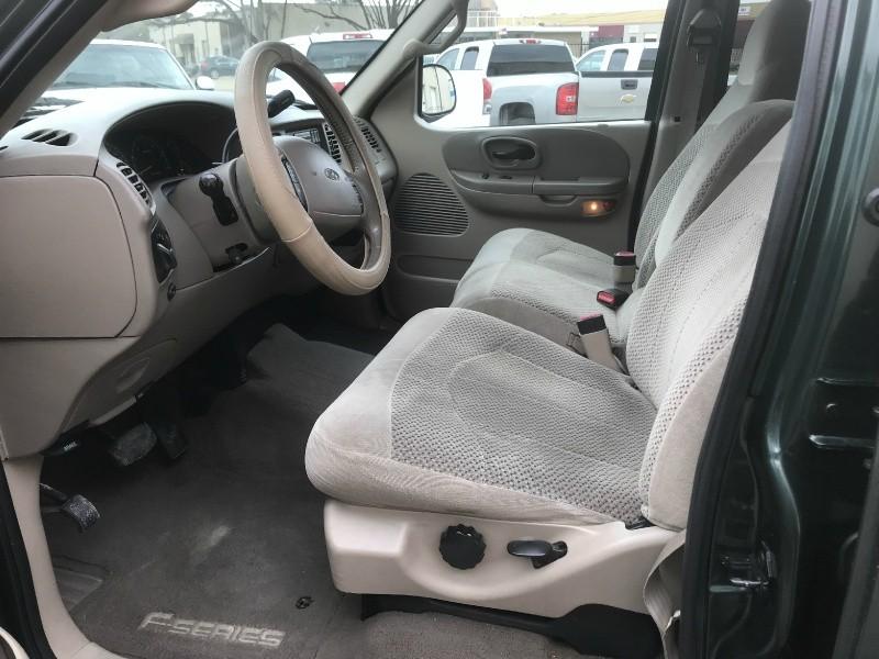 Ford F-150 SuperCrew 2001 price $6,990