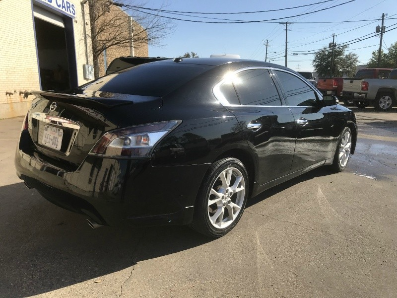 Nissan Maxima 2013 price $9,990