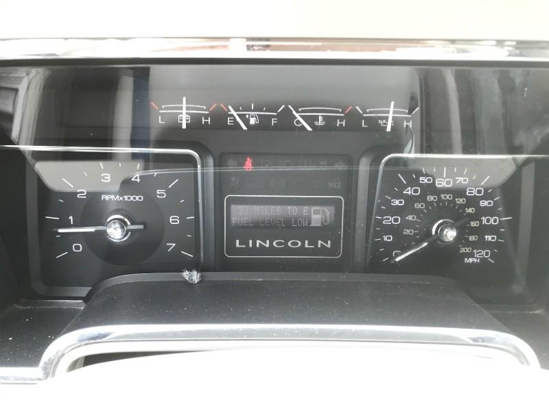 Lincoln Navigator 2009 price $8,990
