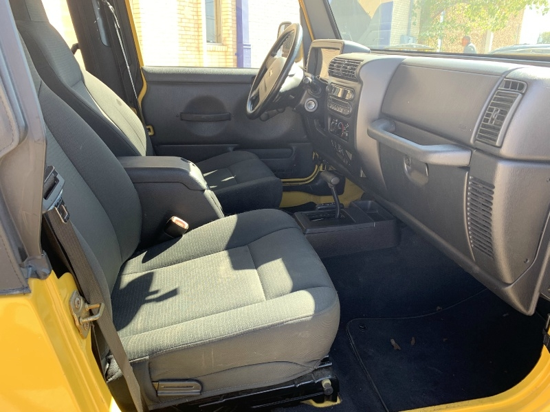 Jeep Wrangler 2006 price $10,990
