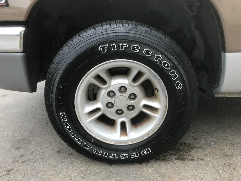 Dodge Dakota 2000 price $3,990 Cash