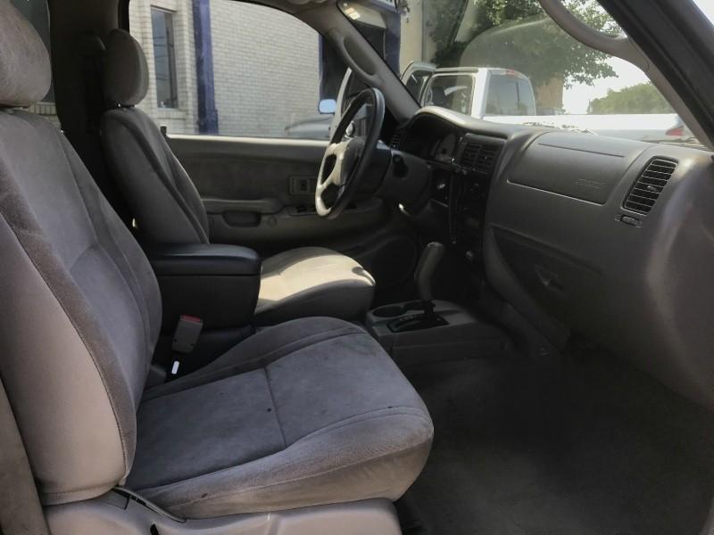 Toyota Tacoma 2003 price $7,990