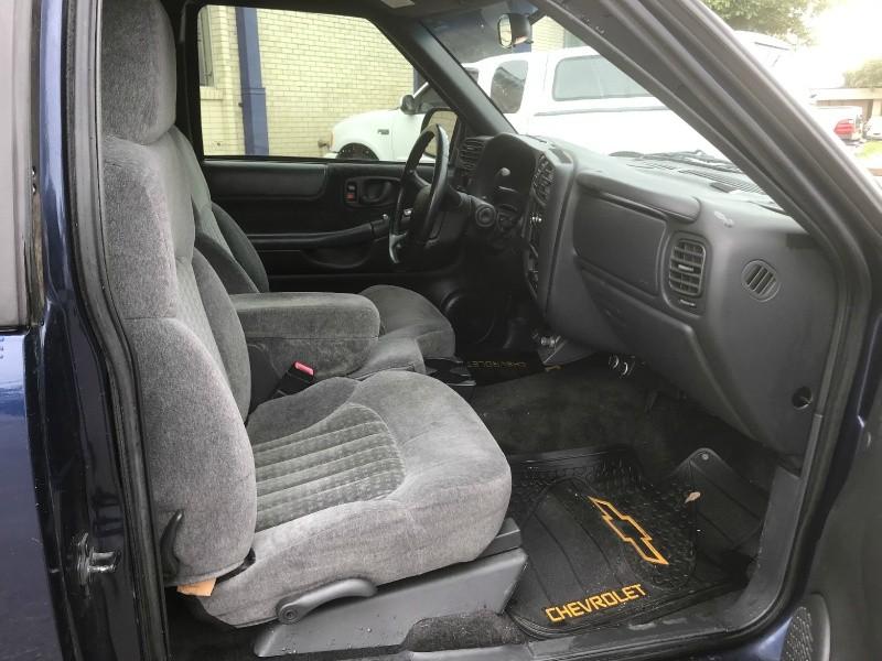 Chevrolet S-10 2002 price $4,750