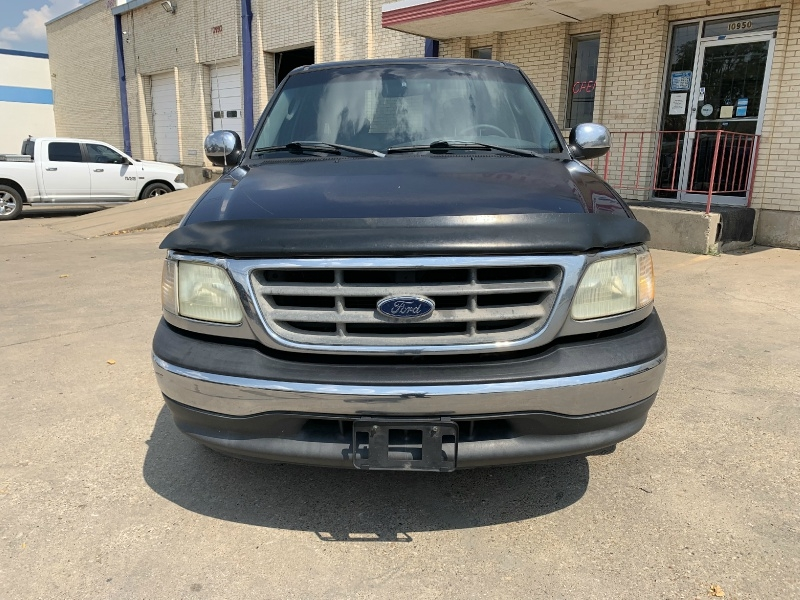 Ford F-150 2002 price $4,990