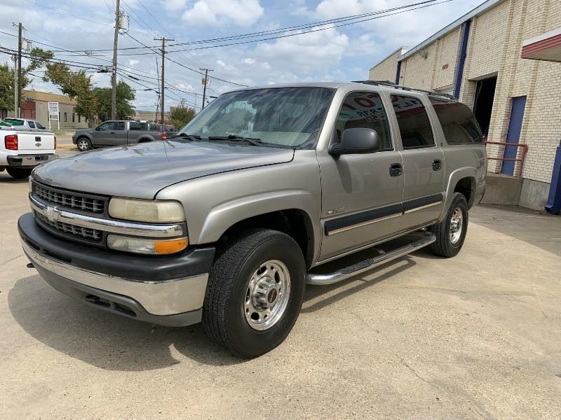 Chevrolet Suburban 2001 price $3,500