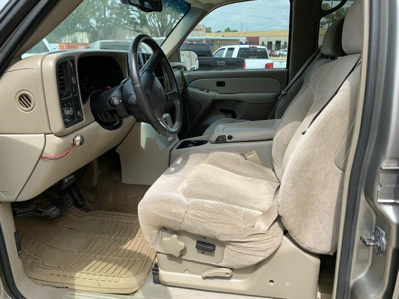 Chevrolet Suburban 2001 price $4,500