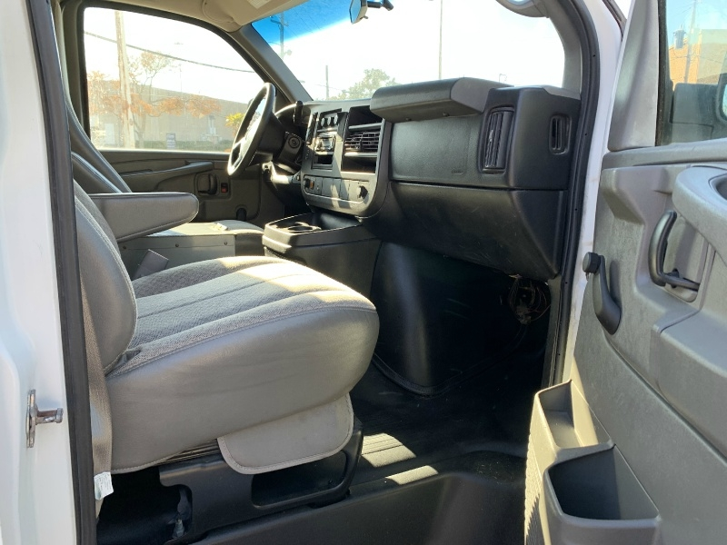 Chevrolet Express Cargo Van 2010 price $8,500