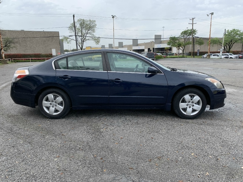 Nissan Altima 2007 price $4,990