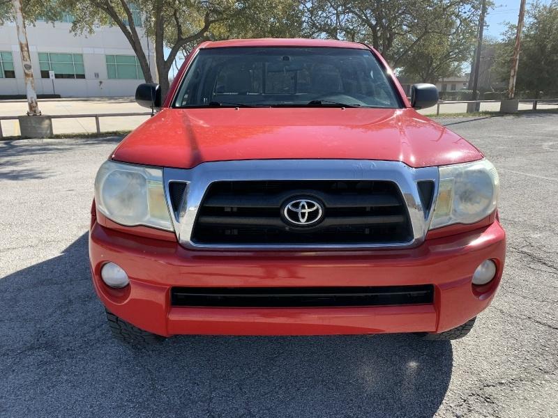 Toyota Tacoma 2005 price $8,990