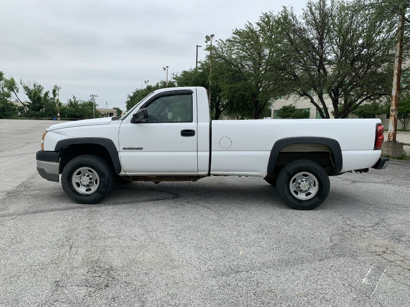 Chevrolet Silverado 2500HD 2005 price $3,990