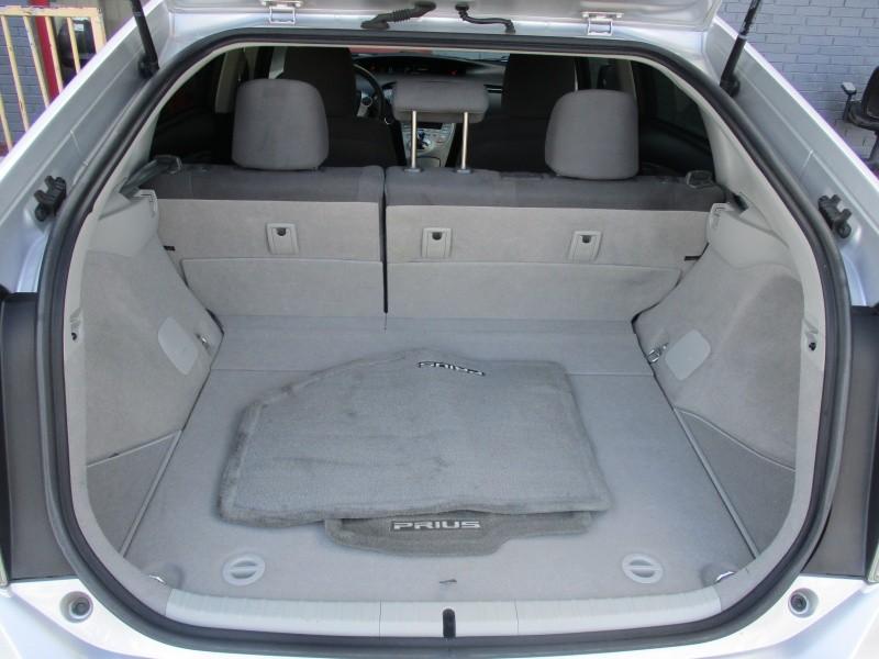 Toyota Prius 2013 price $9,250
