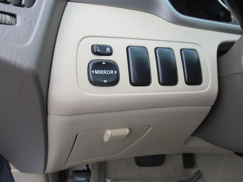 Toyota Highlander 2006 price $5,900
