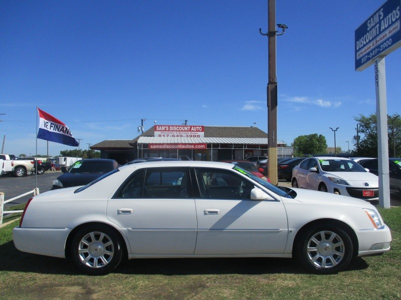 Cadillac DTS 2008 price $4,950