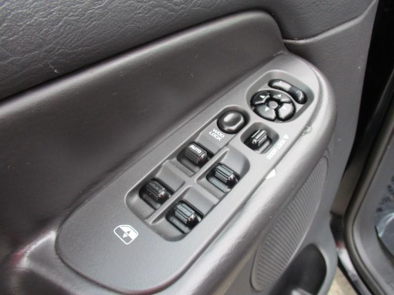 Dodge Ram 1500 2004 price $5,944