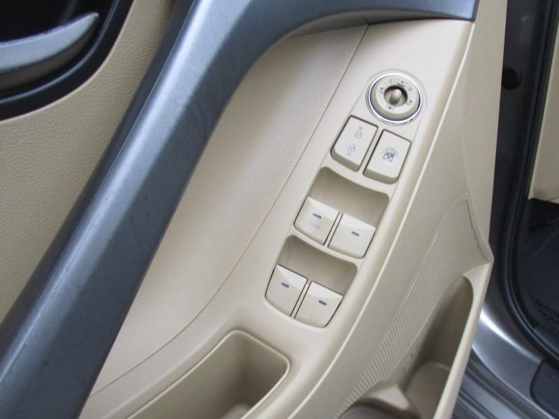 Hyundai Elantra 2011 price $7,444