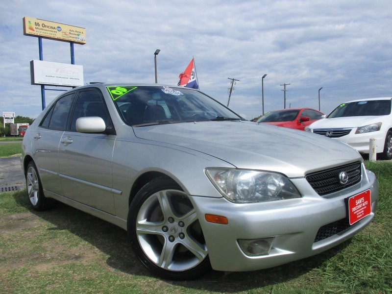 Lexus IS 300 2005 price $6,944
