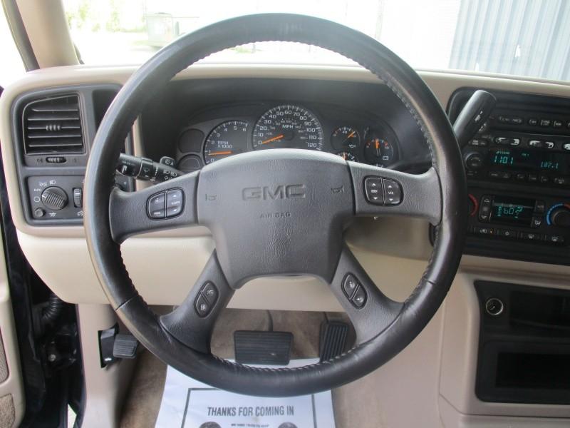 GMC Yukon XL 2005 price $6,944