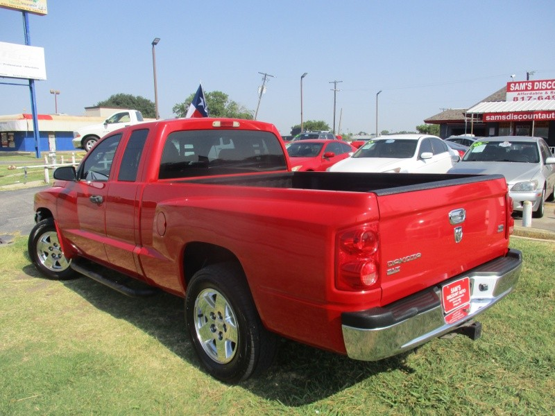 Dodge Dakota 2005 price $5,444