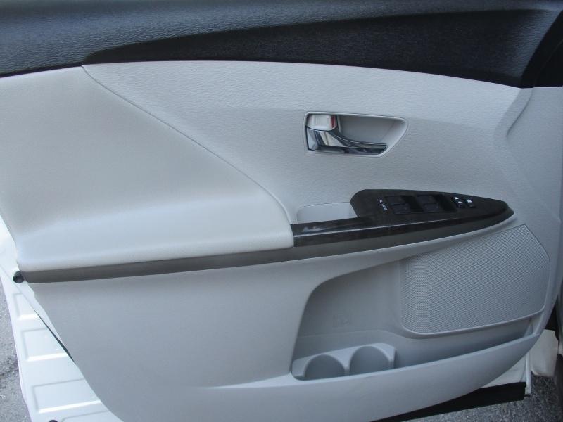 Toyota Venza 2013 price $9,850
