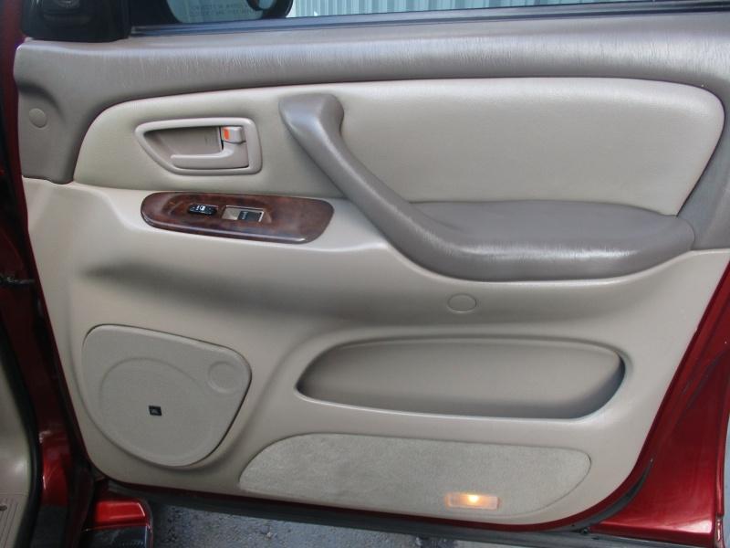 Toyota Sequoia 2006 price $6,944